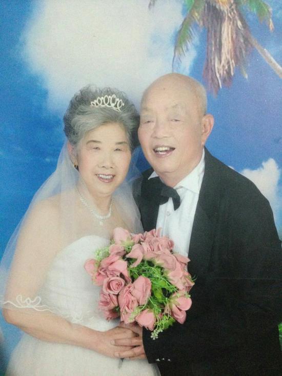 老太太是我的奶奶,今年78岁
